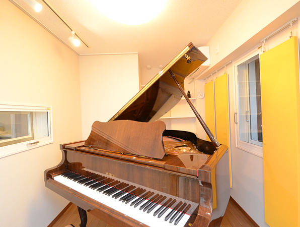 Piano 019
